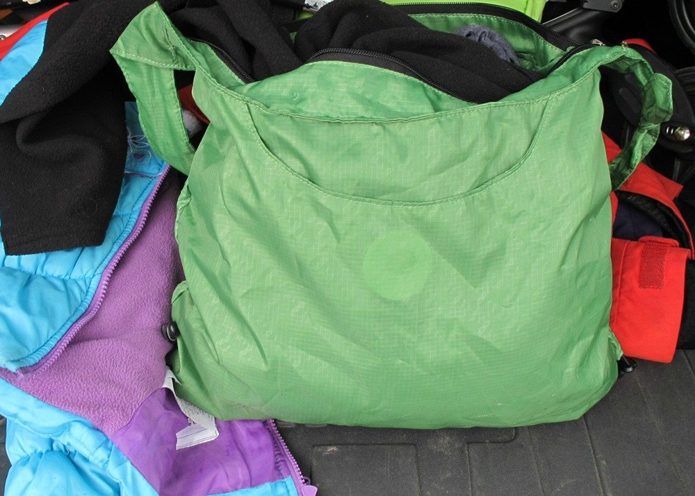 Gear Review: Hobo rePETe bag from ChicoBag is a stylish option - Outdoor Families Magazine
