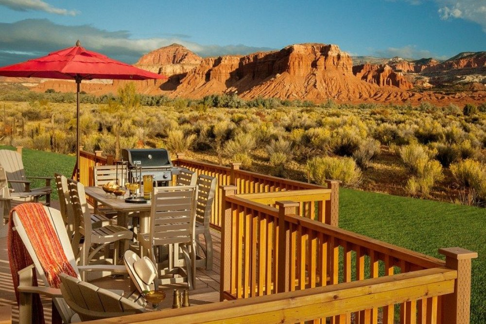 capitol reef resort red canyon views