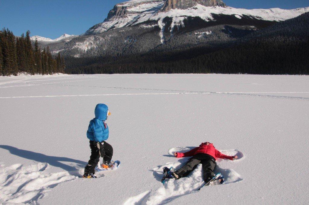 kid snowshoe